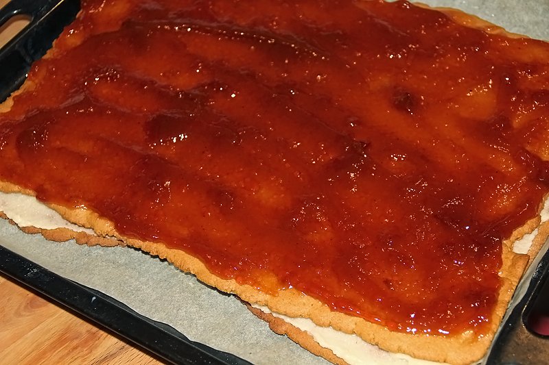 preparare prajitura albinita cu foi cu miere de albine 9